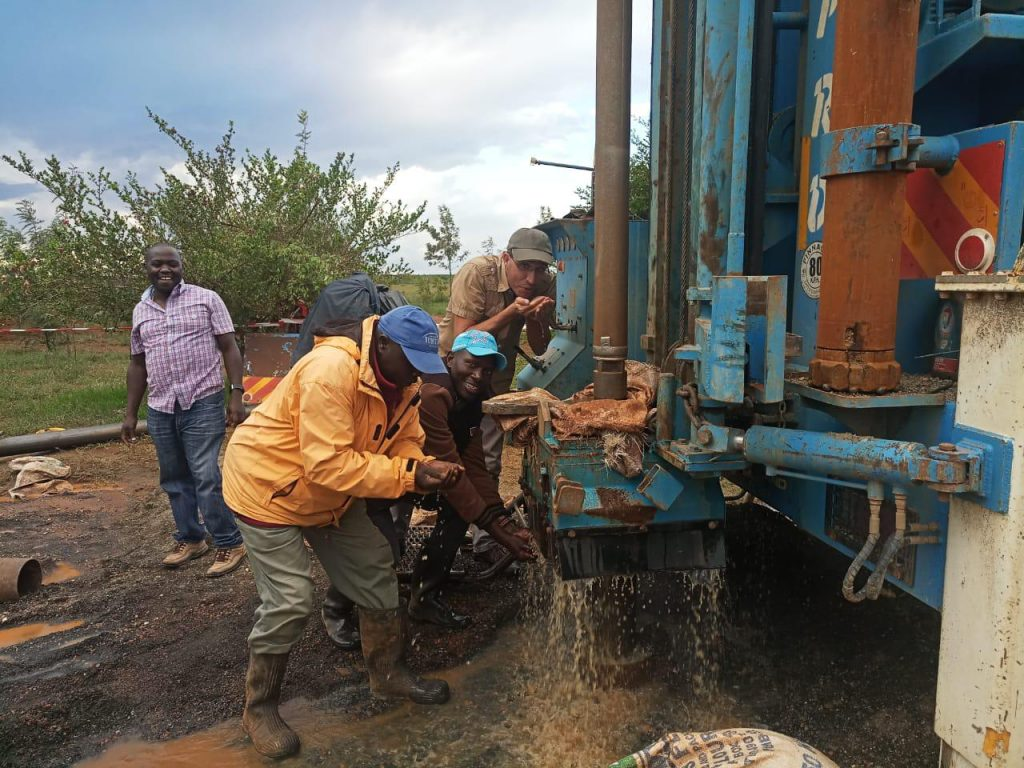 News:    emergenza  acqua in Kenia,  Maisha realizza 3 pozzi nel mese di maggio